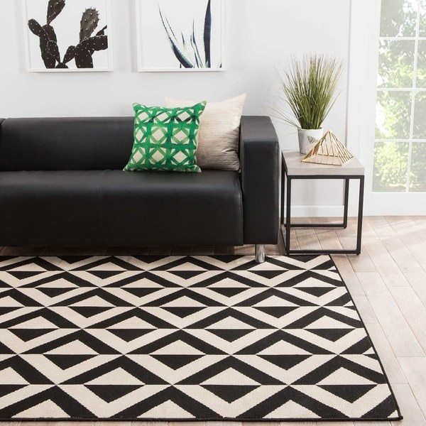 "Venti Indoor/ Outdoor Geometric Black/ Cream Area Rug (7'11"" X 10') - 7'11 x 10'"
