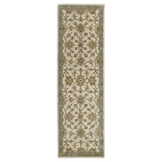 'Lawrence' Beige Kashan Hand-tufted Traditional Wool Rug (2'3 x 7'6)