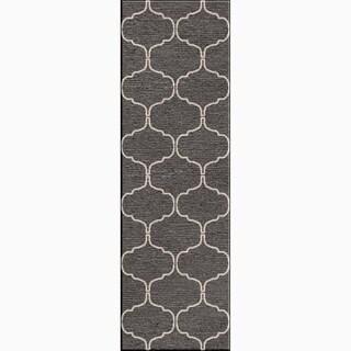 "Handmade Geometric Gray/ Silver Area Rug (2'6"" X 8')"