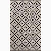 Folke Handmade Geometric Black/ White Area Rug - 4' x 6'