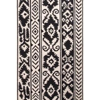 Handmade Tribal Pattern Ivory/ Black Wool Rug (5 x 8)