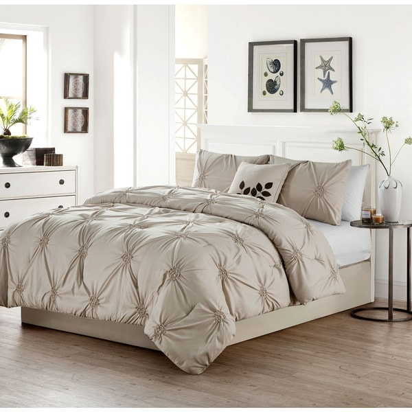VCNY London Pinched Pleat 4-piece Comforter Set