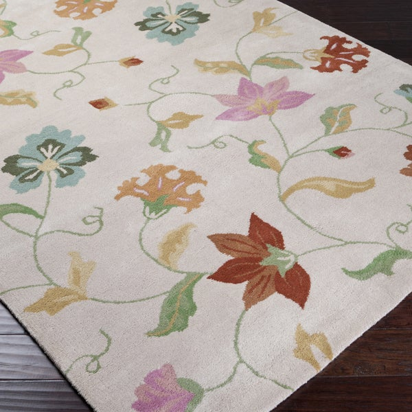 Hand-tufted Beige Floral Traditional Wool Rug (5'7 x 7'11)