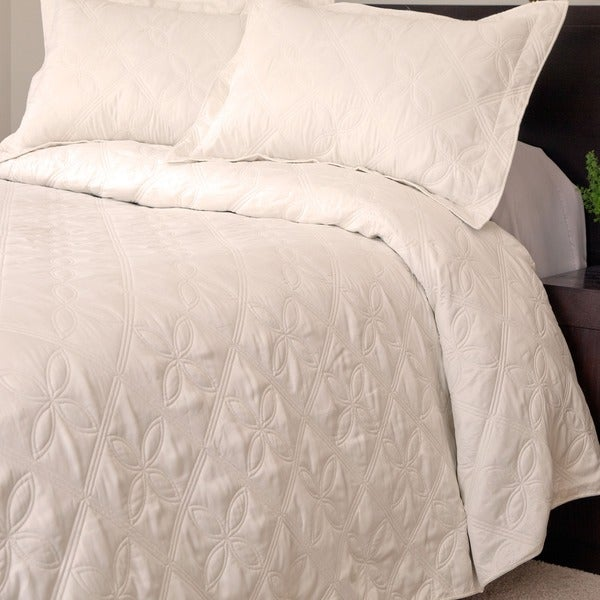 Shop Windsor Home Andrea 3 Piece Cream Quilt Set On Sale
