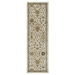 Hand-tufted Lawrence Beige Arabesque Wool Rug (2'3 x 7'6)