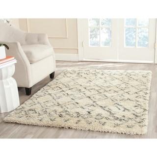 Safavieh Handmade Casablanca Moroccan White/ Grey N.Z. Wool Shag Rug (4' x 6')