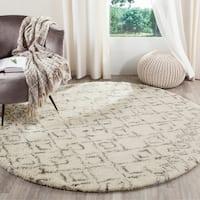 Safavieh Handmade Casablanca Moroccan Flokati Shag Ivory/ Grey Wool Area Rug - 6' x 9'