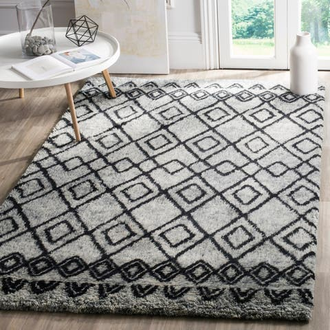 Safavieh Handmade Casablanca Shag Roselyn Tribal Wool Rug