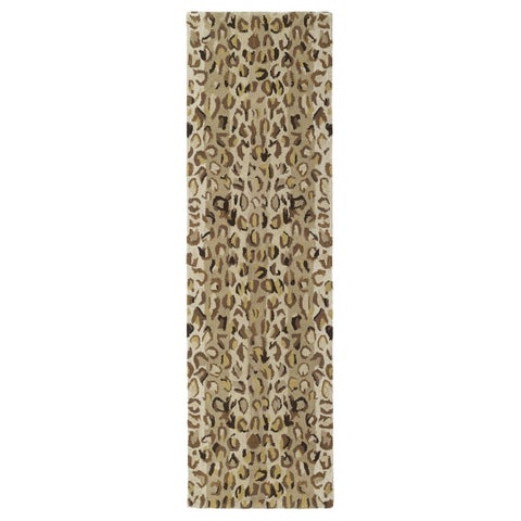 "Hand-tufted Lawrence Cheetah Gold Wool Runner Rug - 2'3"" x 7'6"""