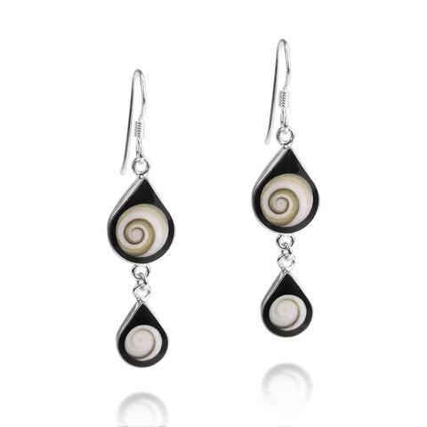 Handmade Black Shiva Swirl Teardrop Shell Silver Earrings (Thailand) - black-white