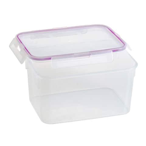 Snapware Airtight Medium Food Storage Container