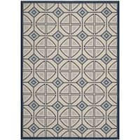 Safavieh Indoor/ Outdoor Courtyard Beige/ Navy Area Rug - 6'7 x 9'6