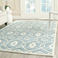 Safavieh Handmade Moroccan Chatham Collection Blue/ Ivory Wool Rug - 4' x 6'