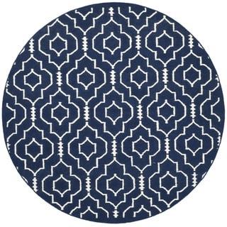 Safavieh Hand-woven Moroccan Reversible Dhurries Navy/ Ivory Wool Rug (6' Round)