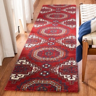 Safavieh Handmade Wyndham Red Wool Rug (7' Square)