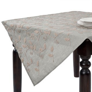 Leaf Design Table Topper