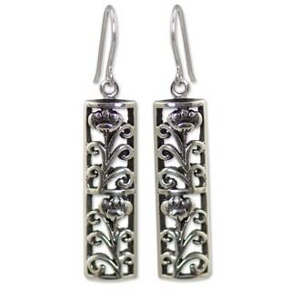 Handmade Sterling Silver 'Spring Blossom' Earrings (Thailand)