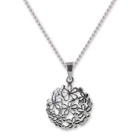 Handmade Sterling Silver 'Hydrangea' Necklace (Thailand)