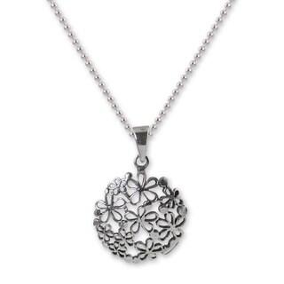 Handmade Sterling Silver 'Hydrangea' Necklace (Thailand)