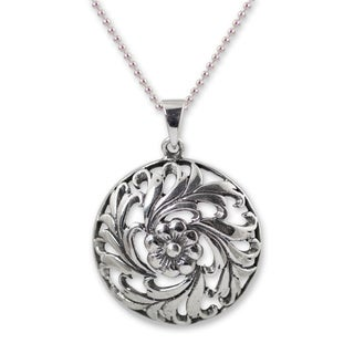 Handcrafted Sterling Silver 'Thai Bouquet' Necklace (Thailand)