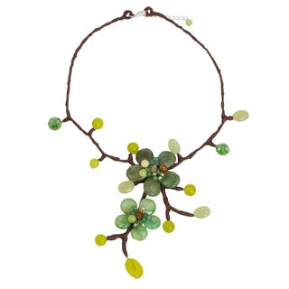 Handmade Quartz 'Forest Bouquet' Carnelian Necklace (Thailand)