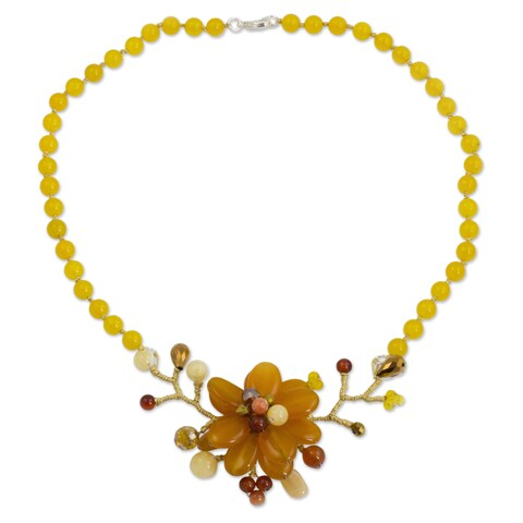 Handmade Silver Plated 'Dahlia Bloom' Carnelian Necklace (Thailand)
