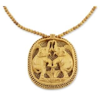 Handmade Kadam Wood 'Playful Elephants' Necklace (India)