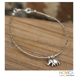 Handcrafted Silver 'Moonlit Elephant' Charm Bracelet (Thailand)