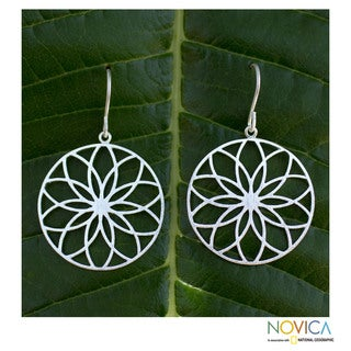 Handcrafted Silver 'Lotus Circles' Flower Earrings (Thailand)