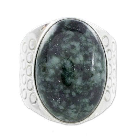 Handmade Sterling Silver Men's 'Verdant Night' Jade Ring (Guatemala)