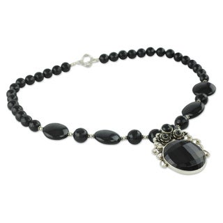 Handmade Sterling Silver 'Mystic Bloom' Onyx Necklace (India)