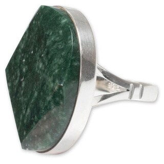 Sterling Silver 'Love's Cycles in Dark Green' Jade Ring (Guatemala)