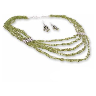 Handmade Sterling Silver 'Forever Love' Peridot Jewelry Set (India)