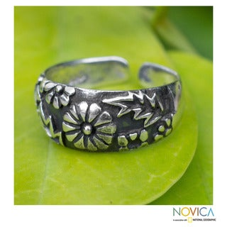 Sterling Silver 'A Walk In The Garden' Toe Ring (Thailand)