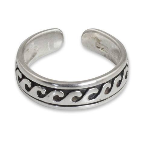 Handmade Sterling Silver 'Beach Beauty' Toe Ring (Thailand)