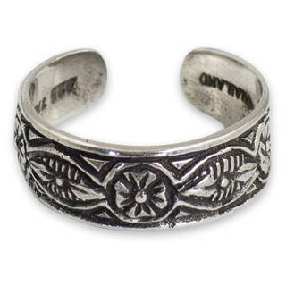 Handcrafted Sterling Silver 'Thai Flowers' Toe Ring (Thailand)