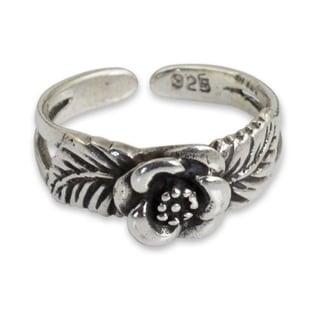 Handmade Sterling Silver 'Chiang Mai Rose' Toe Ring (Thailand)