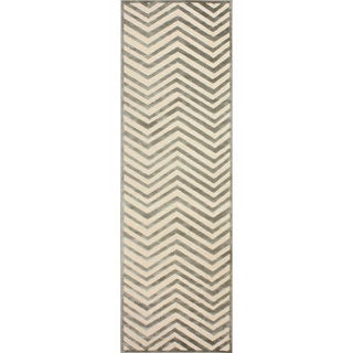 nuLOOM Modern Chevron Cream Faux Silk Runner Rug (2'6 x 8')