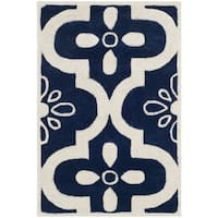 Safavieh Handmade Moroccan Chatham Dark Blue/ Ivory Wool Rug with Cotton Canvas Backing - 2' X 3'