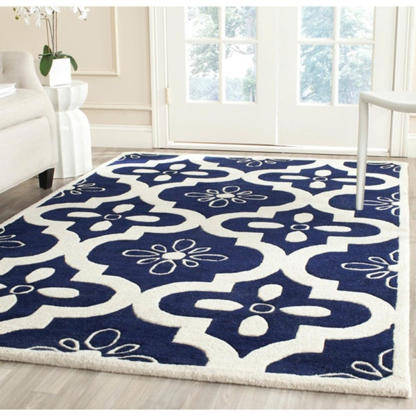 Safavieh Handmade Moroccan Chatham Canvas-backed Dark Blue/ Ivory Wool Rug - 8' x 10'