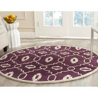 Safavieh Handmade Moroccan Chatham Purple/ Ivory Wool Rug - 5' x 5' round