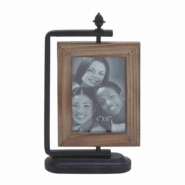 Natural Wood Photo Frame with Traditional Styling