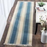 Safavieh Hand-woven Southwestern Kilim Blue/ Ivory Wool Rug (2'3 x 6') - 2'3 x 6'