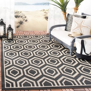 Safavieh Courtyard Honeycomb Black/ Beige Indoor/ Outdoor Rug (7'10 Square)
