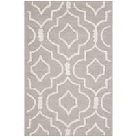 Safavieh Handmade Moroccan Cambridge Beige/ Ivory Wool Rug - 2'6 x 4'