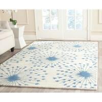 Safavieh Handmade Bella Beige/ Blue Wool Rug - 8' X 10'