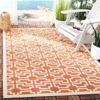 Safavieh Courtyard Geometric Navy/ Beige Indoor/ Outdoor Rug - 2'3 x 6'7