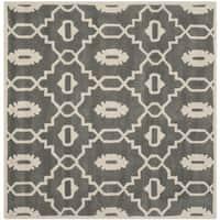 Safavieh Handmade Moroccan Chatham Dark Grey/ Ivory Wool Rug - 5' x 5' square