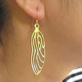 Handmade Spirit Tribal Fusion 'Wings Of Freedom' Dragonfly Wing Earrings (Indonesia) - GOLD