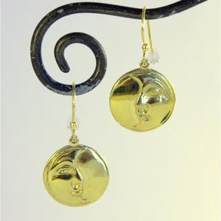 Handmade Brass Moon Wisdom Dangle Earrings (Indonesia)|https://ak1.ostkcdn.com/images/products/8698083/Brass-Moon-Wisdom-Dangle-Earrings-Indonesia-P15949798.jpg?impolicy=medium